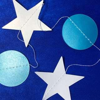 彩藍圓及白色星星掛飾2條