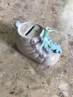 🚚 Handmade Shoe Piggy Bank