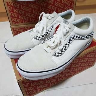 0e05e0ab6968 FINAL SALE US9 Vans Old Skool Sidestripe V Sneakers  SpringCleanAndCarousell
