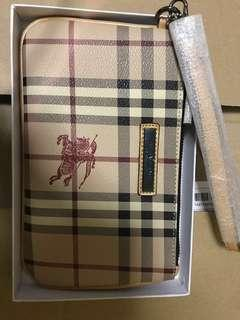 Burberry clutch/make up pouch