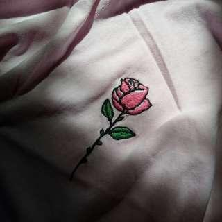 baby pink rose embroided top 🐷🏁