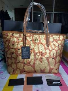 SALE: BRAND NEW MCM BAG with POUCH
