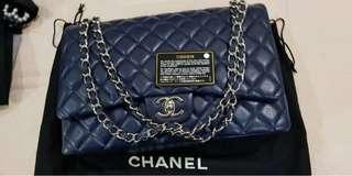 Preloved like new used ONCE  chanel maxi navy blue CAVIAR shw double flap #15 (dustbag, card )