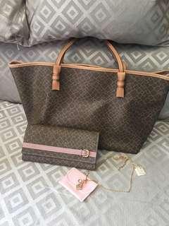 ‼️FREE Necklace‼️~BUNDLE SALE only~ NINA RICCI Tote Bag & Wallet