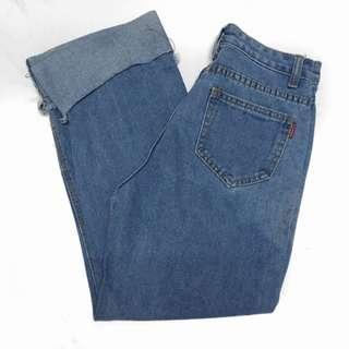 Mom jeans loose bottom