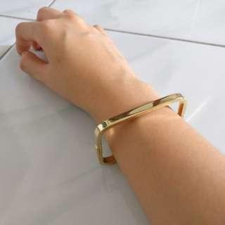 Vincci gold rectangular bracelet