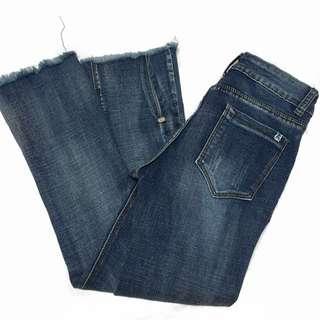 High waisted loose bottom jeans