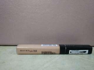 Maybelline Fit Me concealer (Medium)