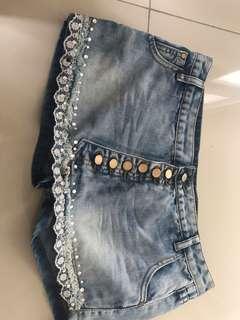 Rok celana mini