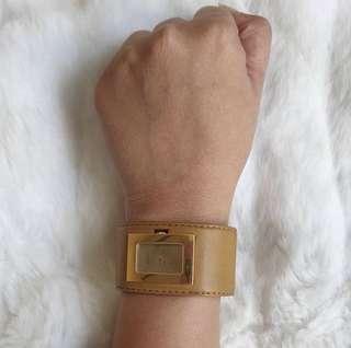 Authentic Gucci 7800L watch