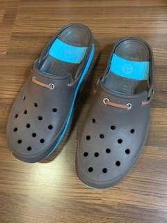 Lightly Worn Authentic Crocs Slip On Loafers Boat Shoes M 12