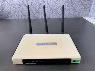 TP-Link TL-WR1043ND wireless router