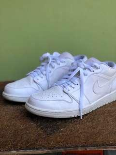 Nike Men's Air Jordan 1 I Low Retro Triple White Shoes Size 10.5