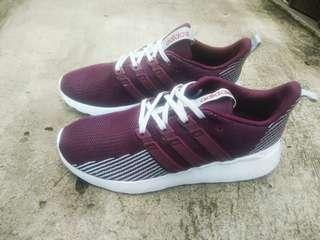 Adidas questar flow burgundy original