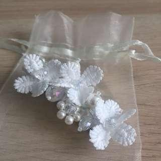 Hair clip/ accessories/ white
