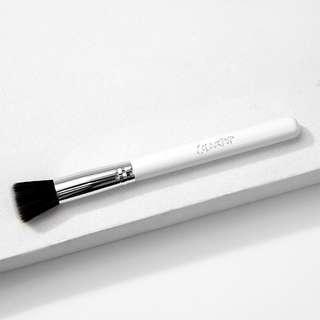 🚚 BN Colourpop Stippling Brush