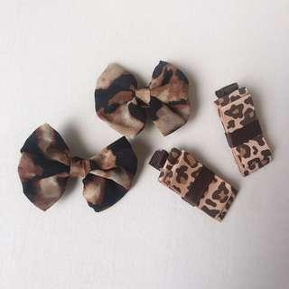 *NEW* 2x pairs leopard print baby girls clips