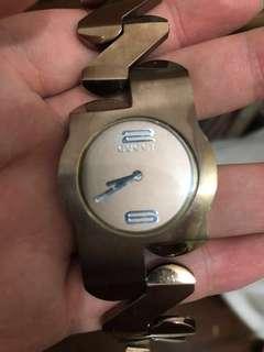 Jam tangan wanita gucci