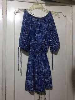 Short blue casual dress