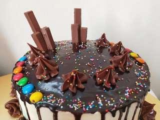 {READY STOCK} Strawberry Chocolate Cake