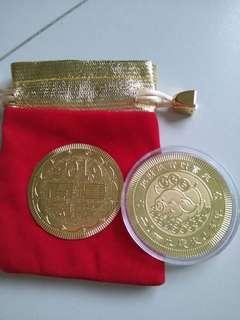 🚚 2019 Souvenir Gold Coin