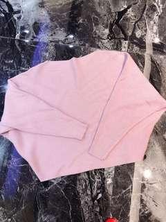 可拉平口玫瑰粉針織上衣