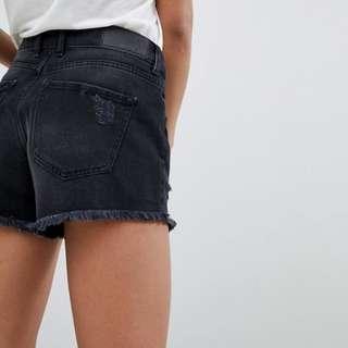 🚚 Noisy May Distressed Black Denim Shorts