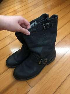 FRYE leather boot in black