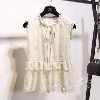 🌷(IN STOCK) Quayside Talks Embroidery Blouse Cream
