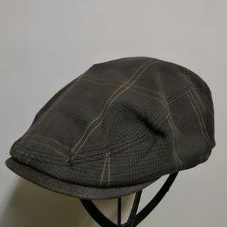 灰色格紋報童帽