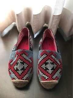 Zarah Juan Embroidered Espadrilles Size 5
