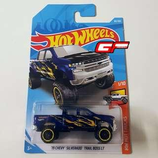 HOT WHEELS '19 CHEVY SILVERADO TRAIL BOSS LT