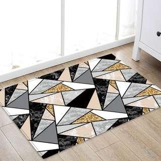 Instock* Design Triangle Floor mat 40x60