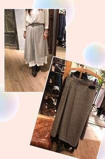 Rococo米白半身裙