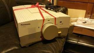 Panasonic 投影機(二手)