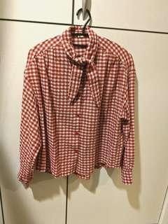 🚚 紅格子領結襯衫