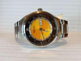 Seiko ,精工錶 automatic, 44 mm ,brand new with original box, paper work, and hang tag.