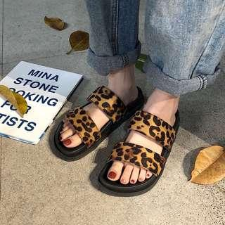 (READY STOCKS) leopard printed flats