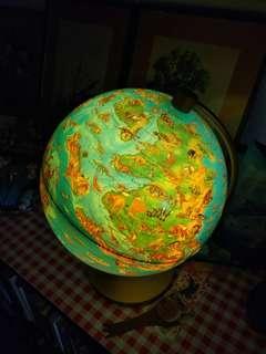 Dino Globe Lamp