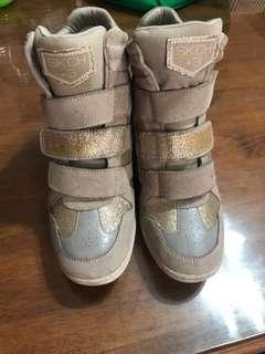 Gold Skechers SKCH +3 Rubber Shoes (HighCut High Heeled)