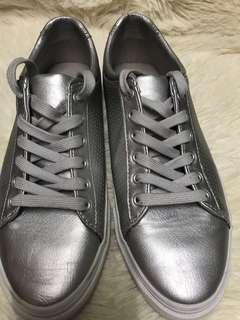 Pull and Bear Silver Sneaker