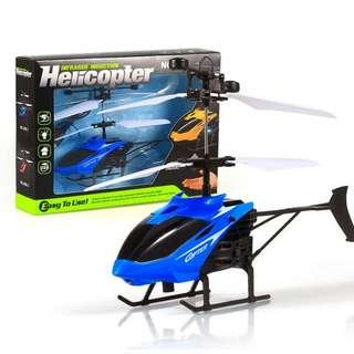 Flying Mini RC Infraed Induction Helicopter Aircraft Flashing Light Toys For Kid (Blue/ Red)