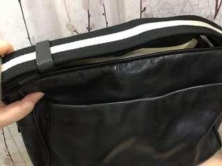 Bally messenger bag (Authentic and super clean)