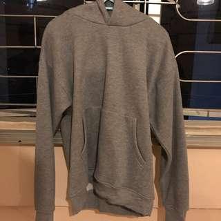 Grey Pullover (no brand)