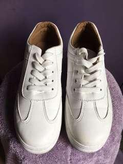 Korean White Shoes