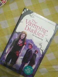 Novel Vampire Diaries - The Awakening