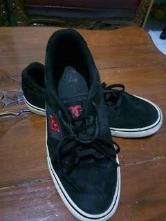 DC Sneakers Original