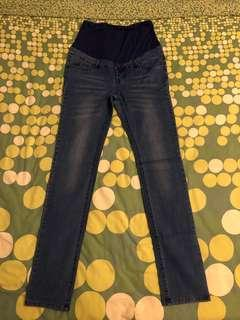 Gennie's maternity jeans