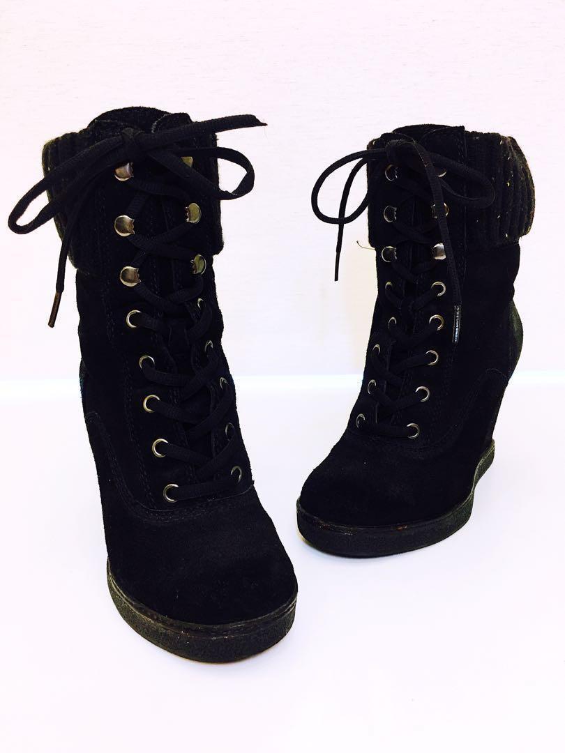 👠👢👠👢ALDO 麂皮綁帶楔型靴37號(24號),優惠價:1299元,秋冬省錢又保暖的好選擇,搬家大出清,隨便亂賣,僅此一雙,錯過可惜😘