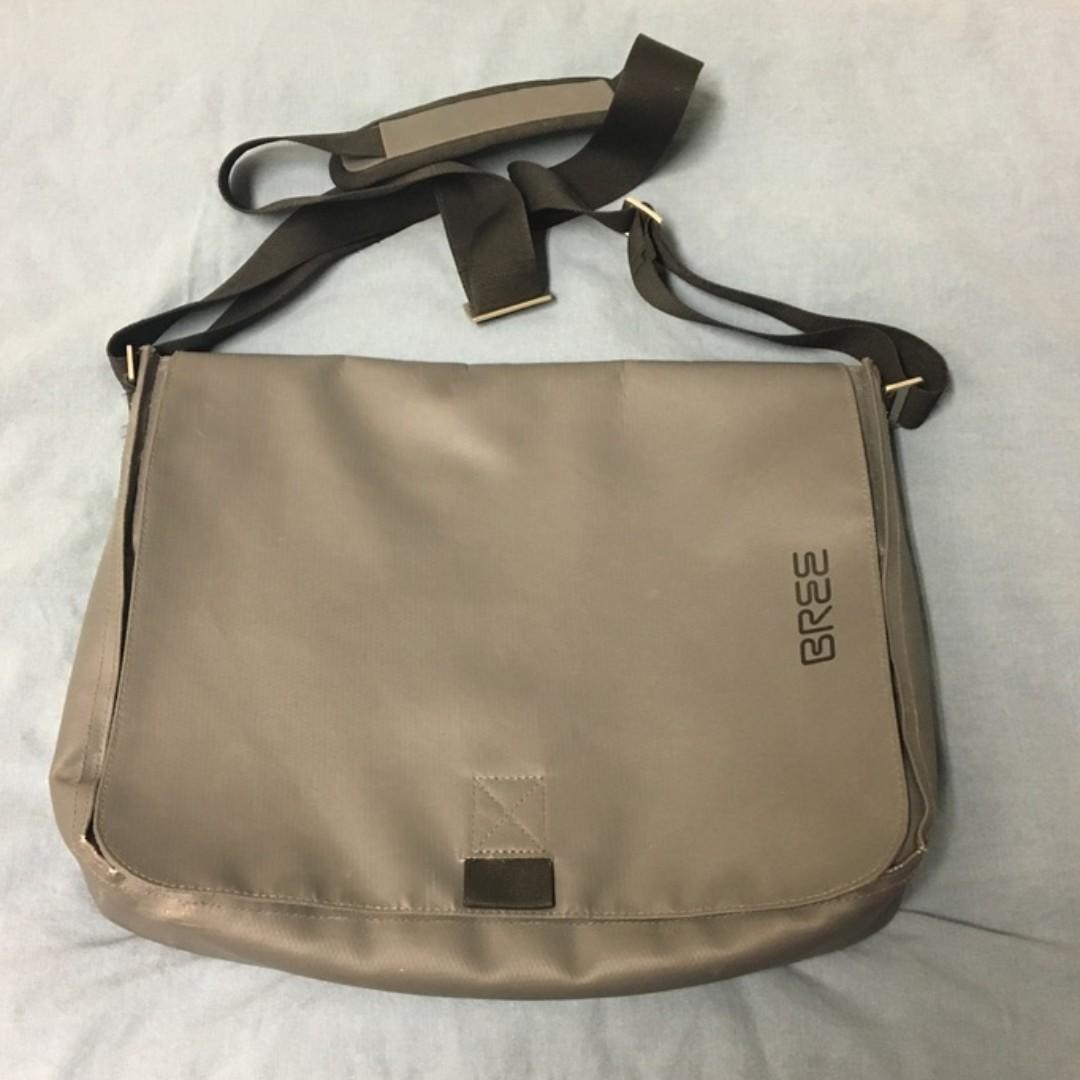 eae5d855019 Bree Punch 49 (Authentic!), Men's Fashion, Bags & Wallets, Sling ...